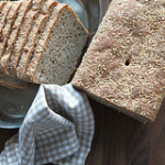 Roggenmischbrot mit Sauerteig und Sesam